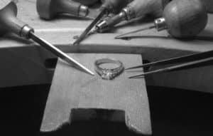 Création sur mesure - Réparation bijoux or et diamants dans notre atelier à Lyon