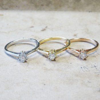 3 solitaires 6 griffes or jaune, blanc et rose 18 carats