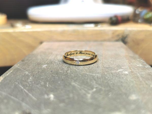 alliance-demi-jonc-or-jaune-diamant