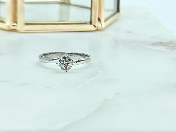 solitaire-tournant-050-diamant