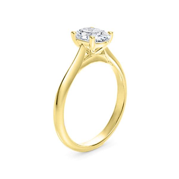 Bague-diamant-ovale-or-jaune-18-carats