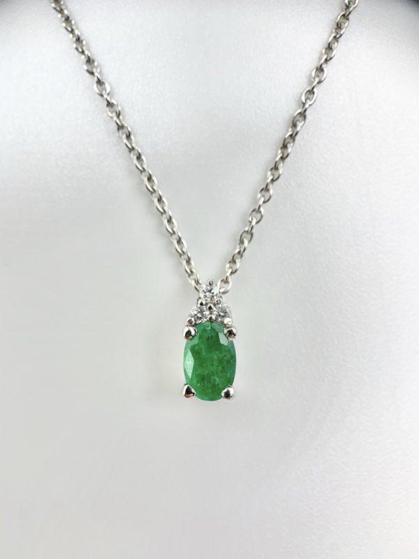 pendentif-diamant-emeraude-ovale