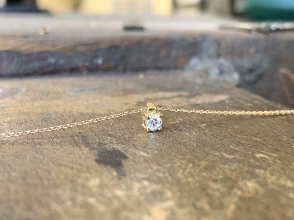 pendentif-solitaire-diamant-or-jaune-tube