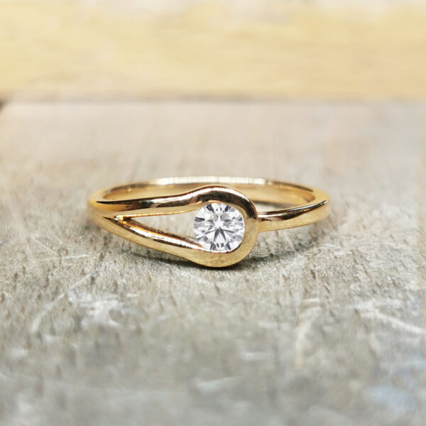 Bague-diamant-or-jaune-18-carat