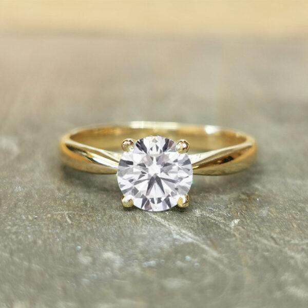 Solitaire-diamant-1-carat-or-jaune-18-carats
