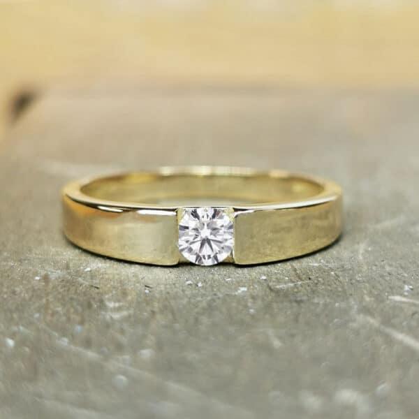 Solitaire-diamant-Bague-diamant-Or-jaune