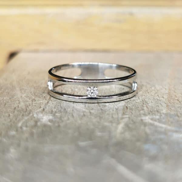 solitaire-diamant-ajoure-bague-diamant-or-blanc