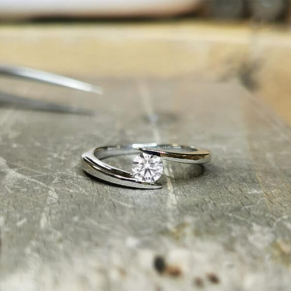 solitaire-diamant-pince-or-blanc-030